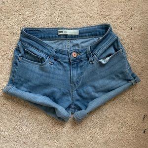 Mid Waist Size 25 Levi's Shorts